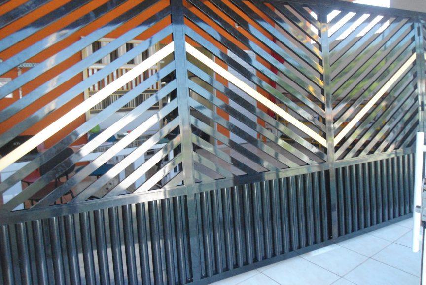 Portão de Alumínio Anodizado Brilhante